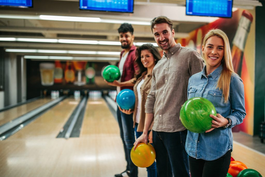 couples bowling